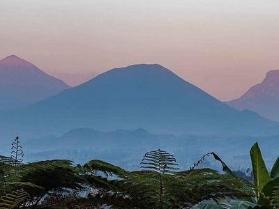 rwanda hiking